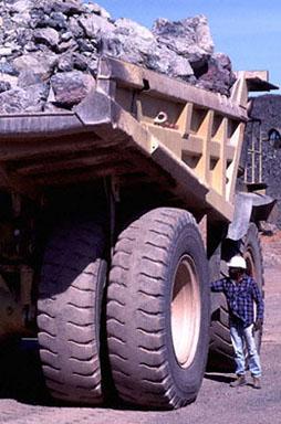 Camión mina uranio